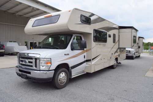 Bedroom : 2019-COACHMEN-260RS