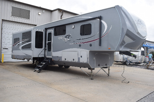 RV : 2016-HIGHLAND RIDGE-347RES