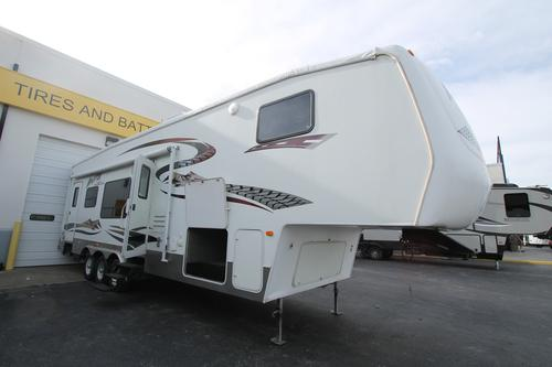 Used 2005 Keystone Raptor 3310SS Fifth Wheel Toyhauler For Sale