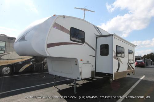 Used 2006 Keystone Laredo 26BH Fifth Wheel For Sale