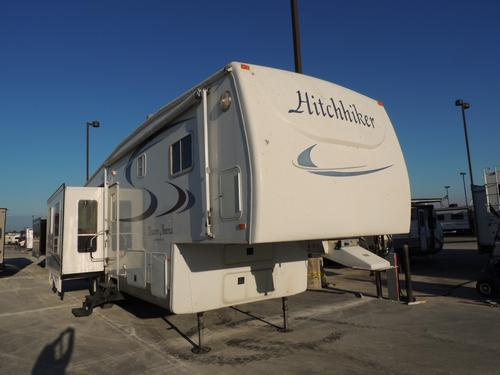 Used 2004 NuWa Hitchhiker 33.5 Fifth Wheel For Sale