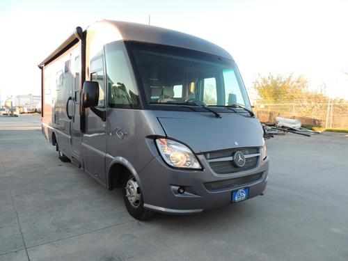 Used 2014 Itasca REYO 25Q Class A - Diesel For Sale