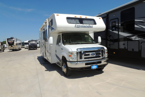 Cab : 2009-COACHMEN-2700RS