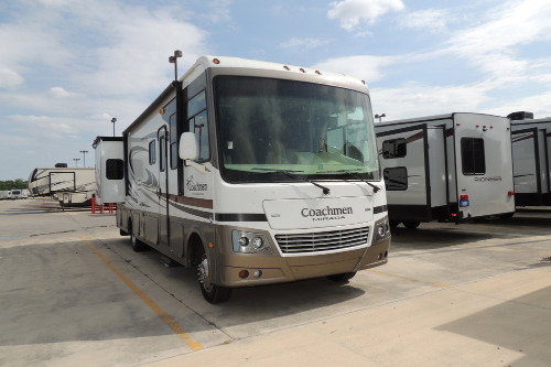 Cab : 2012-COACHMEN-32DS