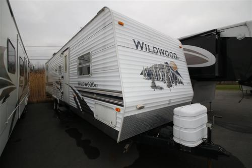 Used 2008 Forest River Wildwood 30BHBS Travel Trailer For Sale