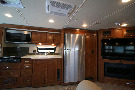 Kitchen : 2019-WINNEBAGO-38F