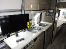 Kitchen : 2019-WINNEBAGO-170A