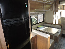Kitchen : 2019-WINNEBAGO-26M