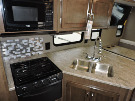 Kitchen : 2019-WINNEBAGO-31P