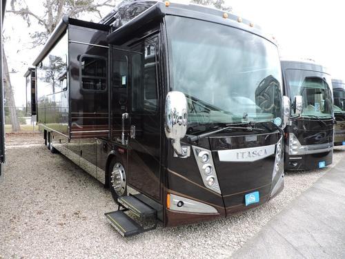 2016 Winnebago ELLIPSE ULTRA