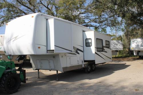 Used 2005 Carriage Cameo 29KS3 Fifth Wheel For Sale