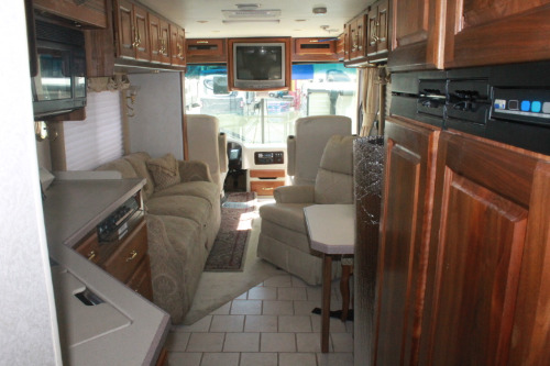 Bathroom : 2002-HOLIDAY RAMBLER-36PBD-330HP