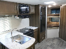 Kitchen : 2019-KEYSTONE-243BHS