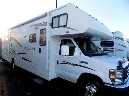 Used 2009 Winnebago Chalet 331CR Class C For Sale