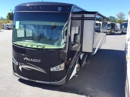 2016 THOR MOTOR COACH PALAZZO