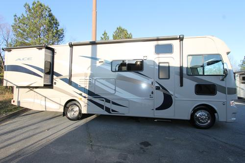 Used 2014 THOR MOTOR COACH ACE 30.1 Class A - Gas For Sale