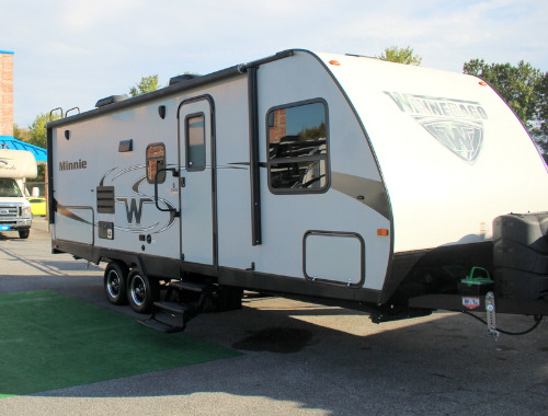 Minnie Winnie Travel Trailer >> New Or Used Winnebago Minnie Rvs For Sale Camping World Rv