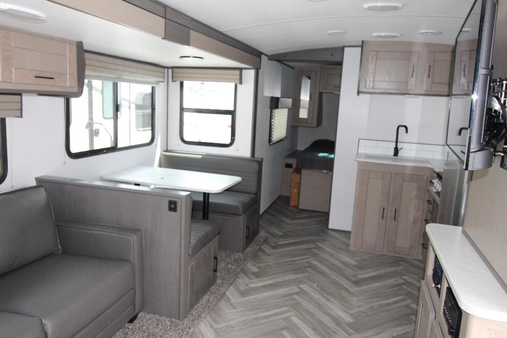 2021 Cruiser RV 277bhs