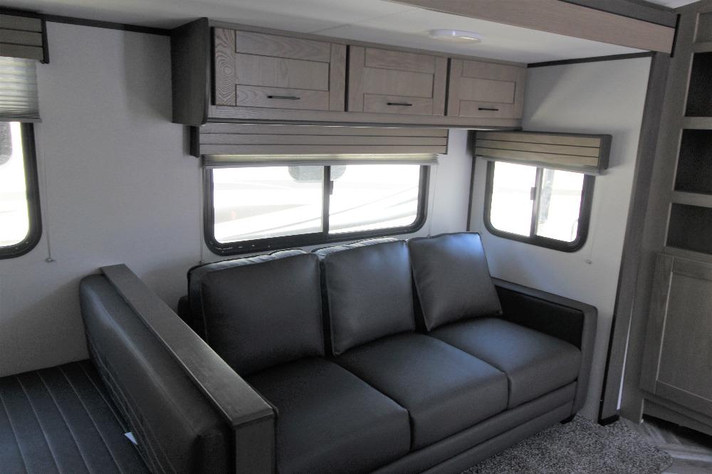 2021 Cruiser RV 325bhs