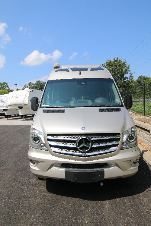 Cab : 2015-ROADTREK-TS ADVENTUROUS