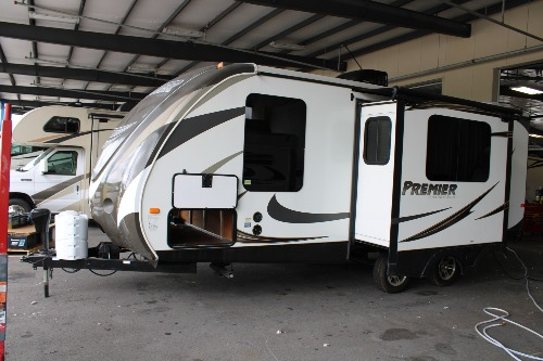 RV : 2014-KEYSTONE-22RB