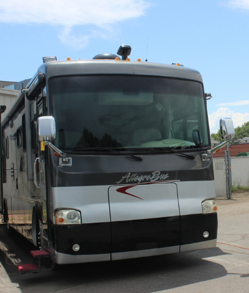 Exterior : 2004-TIFFIN-38DP