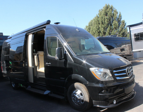Exterior : 2020-AMERICAN COACH-MD4