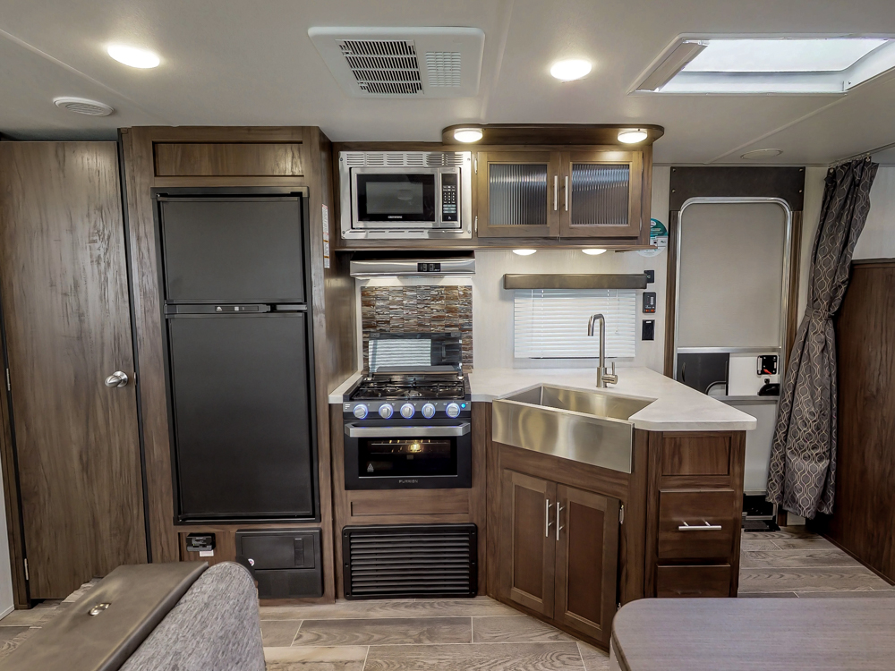 GreyWolf29TE2019Kitchen